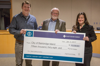 City of Bainbridge Island receives LED grant check from PSE